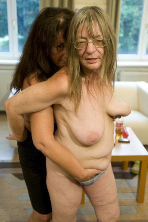 Old lady tight pussy