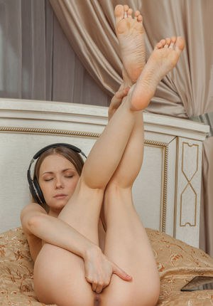 Pussy And Toes Pics