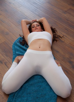 girl with wet pussy in yogas