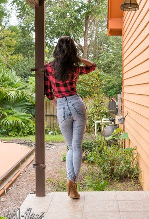 Pussy In Tight Jeans Pics